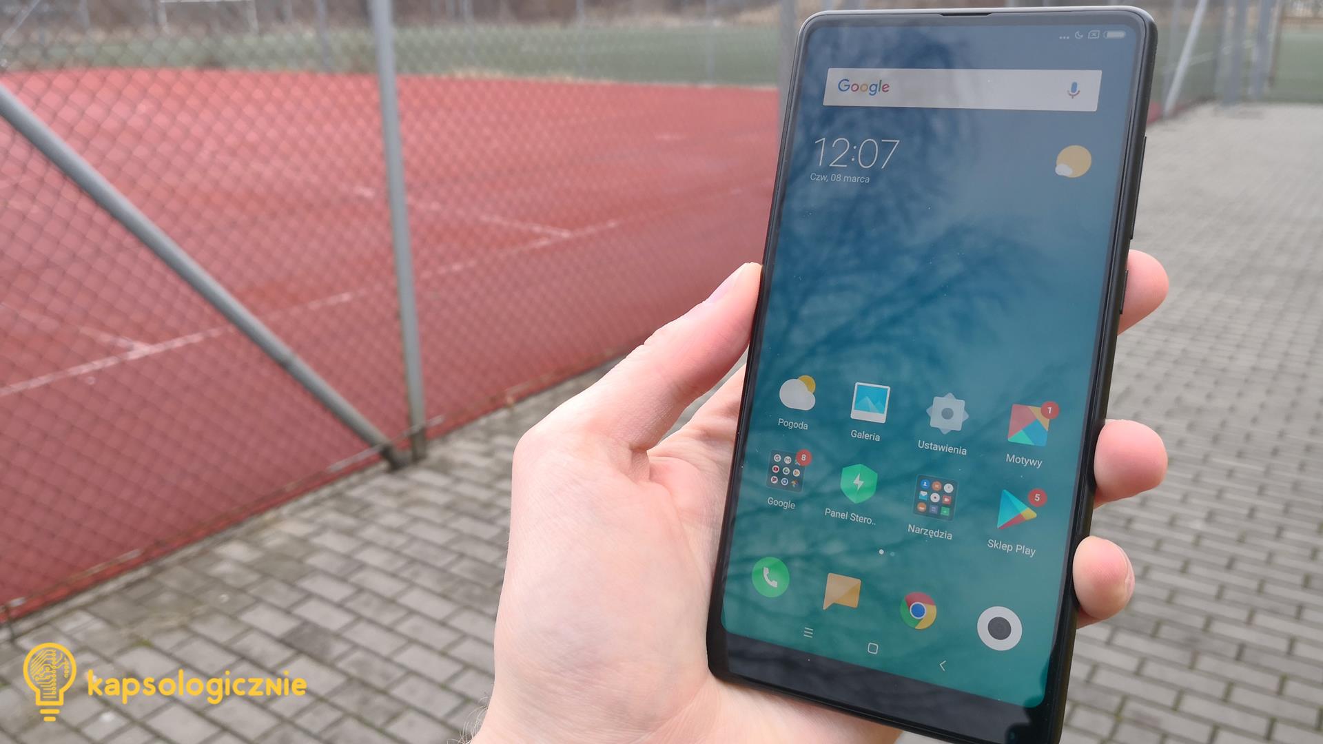 W Xiaomi Mi Mix 2 zagościł dobry ale nie perfekcyjny aparat Do dyspozycji mamy matrycę 12Mpix z przysłoną f 2 0 i co ważne z optyczną stabilizacją