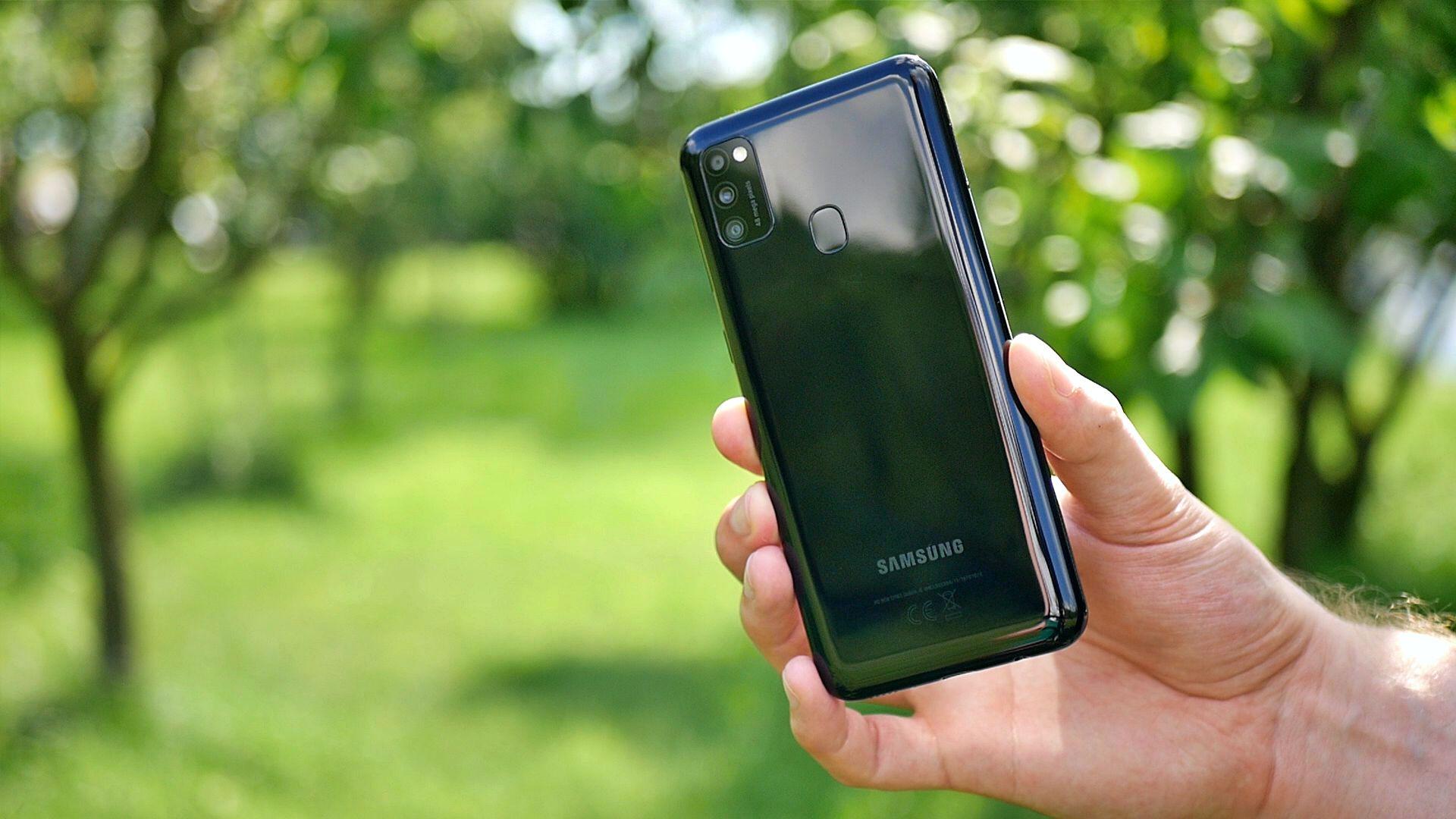 Samsung Galaxy M21 / fot. Kacper Żarski (Kapsologicznie.pl)