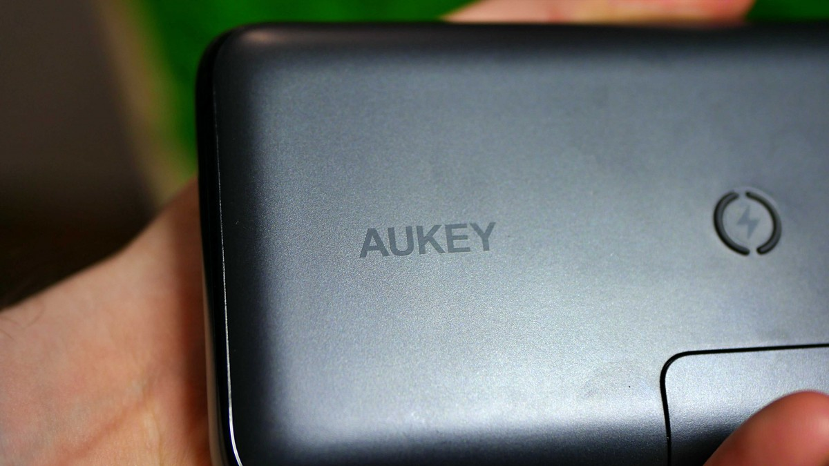 Aukey PB-WL03S / fot. Kacper Å»arski (Kapsologicznie.pl)
